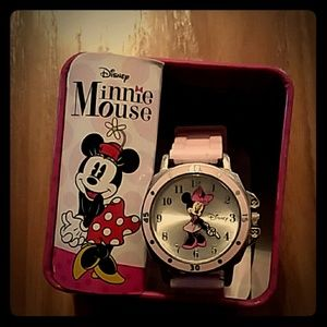 Minnie mouse watch